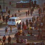 EE.UU cierra frontera con México tras masiva llegada de migrantes