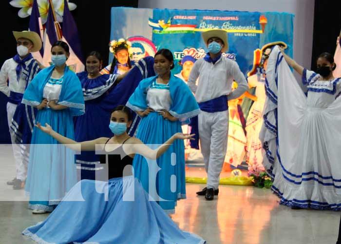 Celebran reina Bicentenario en Jinotega
