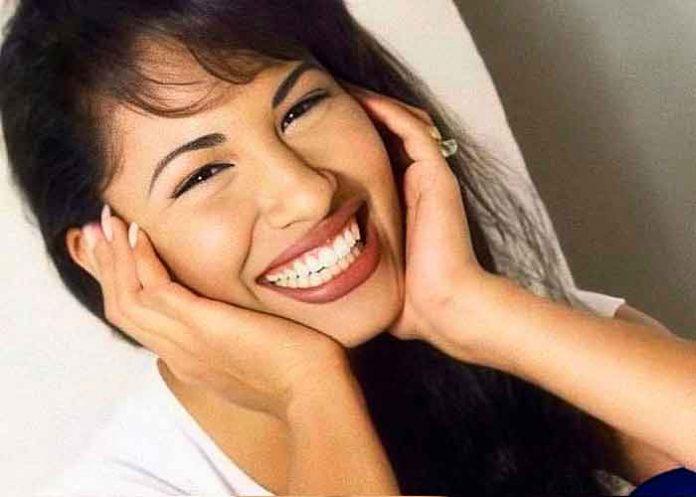 Viudo de Selena Quintanilla comparte foto inédita de la 'Reina del Tex-Mex'
