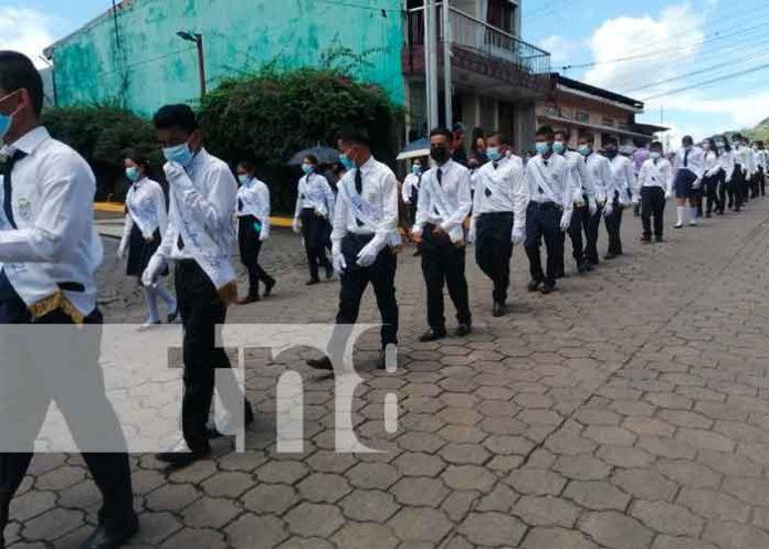 Comunidad educativa celebra las fiestas patrias en Boaco