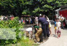 Foto: Rescate de un anciano que cayó a un cauce de Managua / TN8