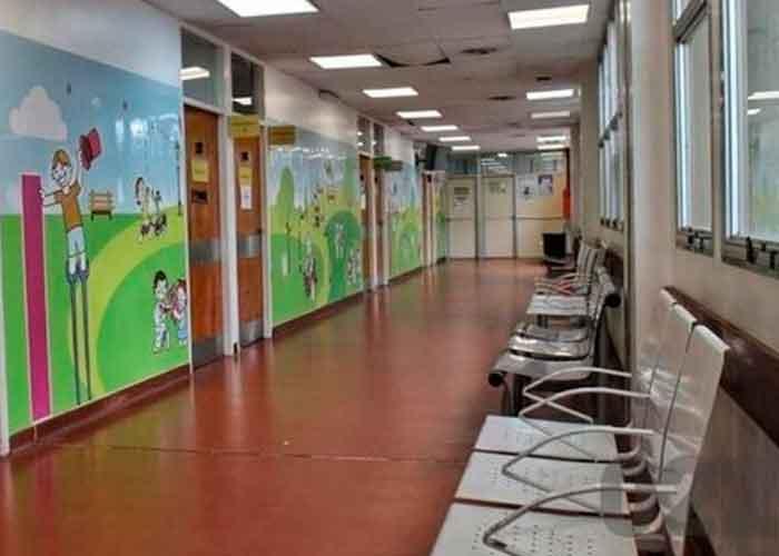 Sala de pediatría donde llevaron al niño que murió por golpes