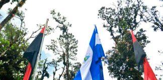 En la cima de Nicaragua ondean las banderas de la Soberanía