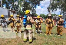 """Capacitación de bomberos con técnicas de la """"prueba de fuego"""""""