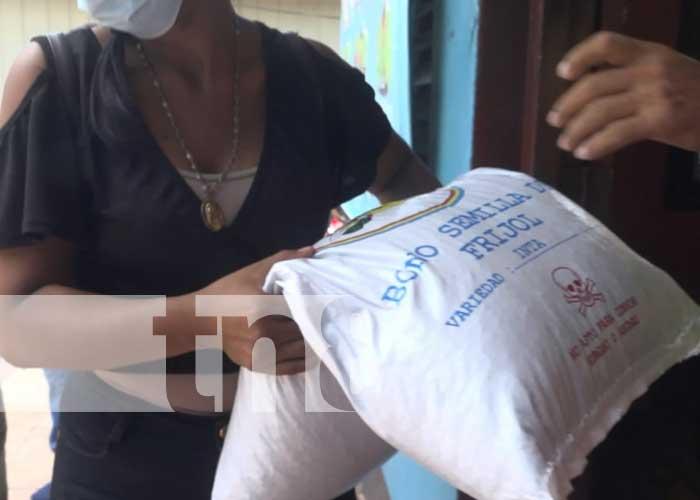 Entrega del bono de frijol para productores en Ometepe
