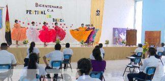 Estudiantes de magisterio en Managua reciben clases de danza