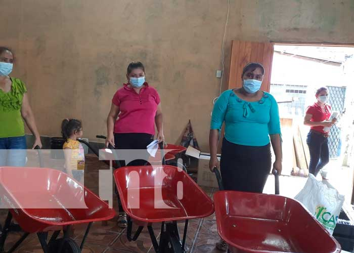MEFCCA entrega materiales de construcción en Río Blanco