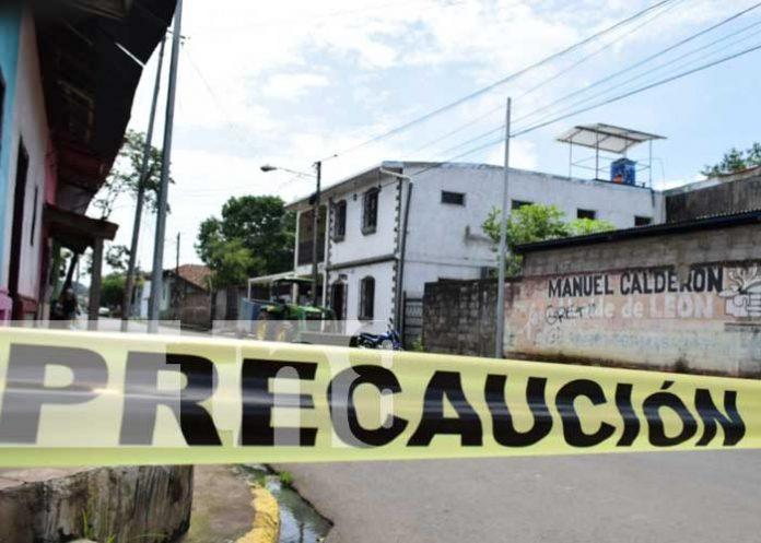 Descubren cuerpo de un hombre en cuarto de alquiler en León