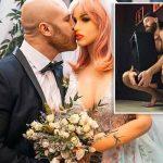 Hombre que se divorció de su muñeca anuncia que se enamoró de un cenicero