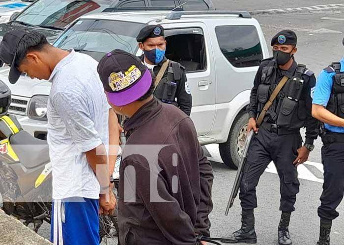 Capturan a sujetos por robar piezas de vehículos en Las Colinas, Managua