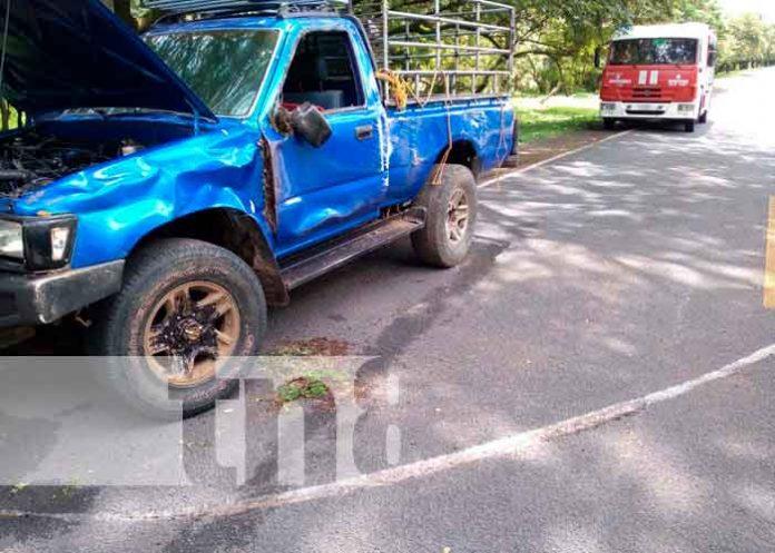 Ponchadura de una llanta causa accidente en Chontales