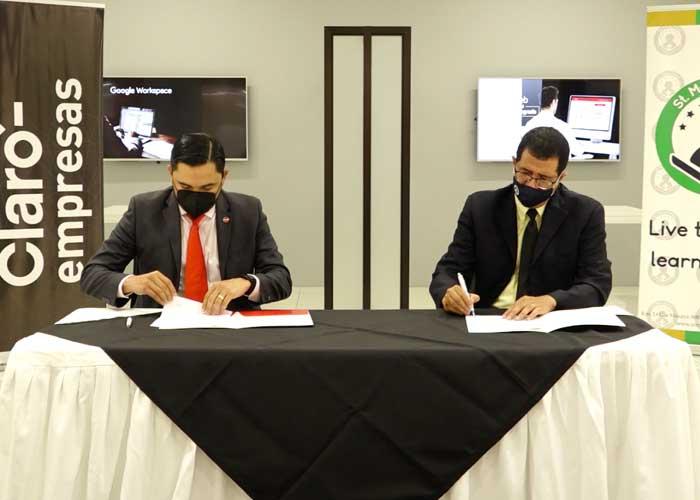 Firma de convenio entre Claro Nicaragua y St Mary School