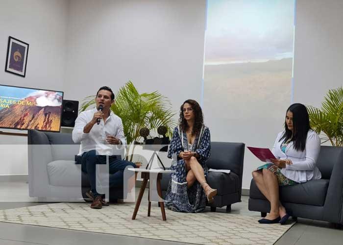 Conferencia de prensa sobre el concurso de fotografía Paisajes de Mi Patria
