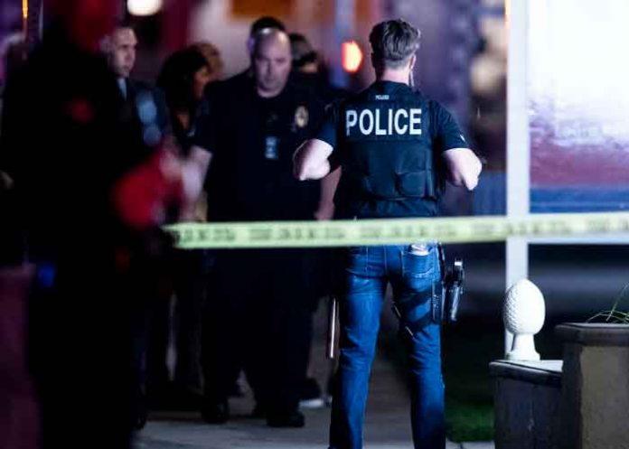 Tres muertos y tres heridos en un tiroteo a las afueras de un bar en EEUU