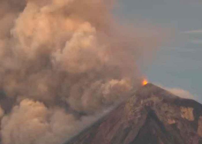 Impresionantes imágenes de la erupción del volcán de Fuego en Guatemala