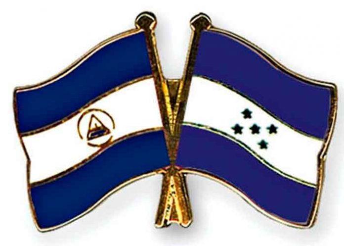 Bandera de Nicaragua y Honduras