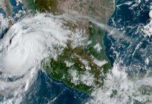 Huracán Olaf apunta al resort mexicano de Los Cabos
