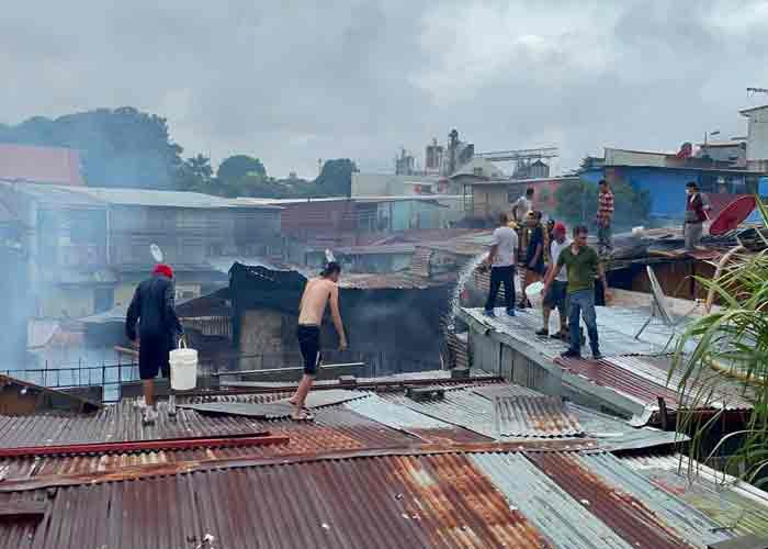 Incendio deja 22 familias en la calle en San José, Costa Rica