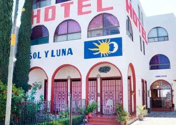 Hotel donde se encontraban los 22 migrantes