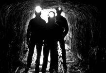 Equipos de emergencias tratan de rescatar a 39 mineros atrapados, Canadá