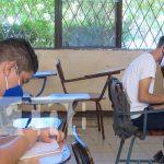 Educación en Nicaragua desde un aula de clases, reforzada con teleclases