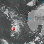 Nace tormenta tropical Olaf frente a costas de Jalisco, México