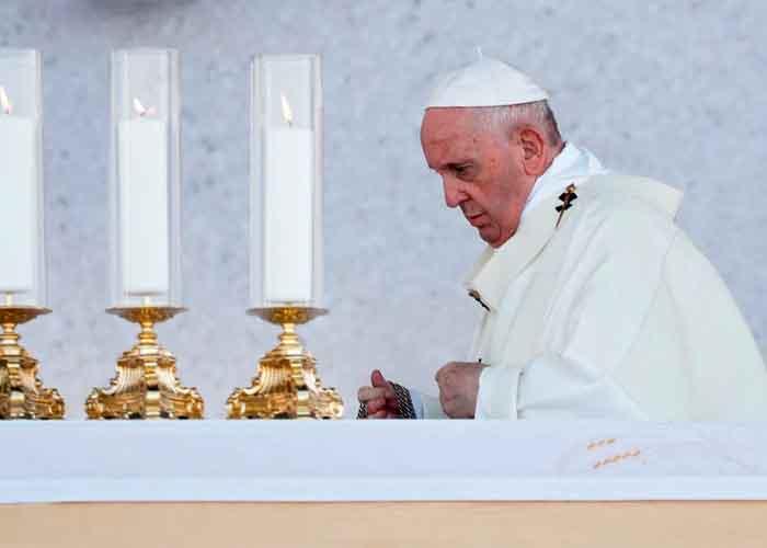 El papa Francisco en una misa en Eslovaquia