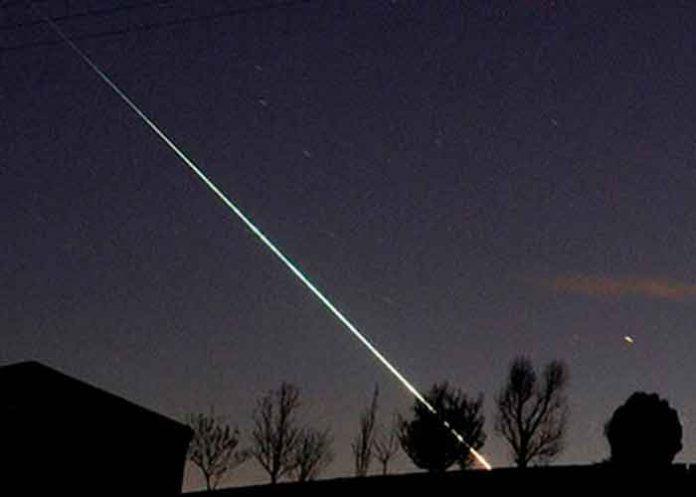 Meteoro iluminando el cielo de Francia