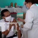 Aplicación de la vacuna contra el COVID-19 en Managua