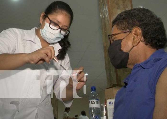 Jornada de vacunación a personas mayores de 30 años