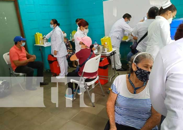 Jornada para aplicar vacuna contra el COVID-19 en Managua