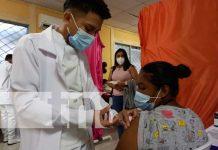 Aplican vacuna contra el COVID-19 en Río San Juan