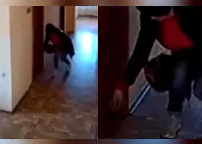 "Viral: ¡Macumba! Captan a mujer ""echando tierra"" a compañeros de oficina"