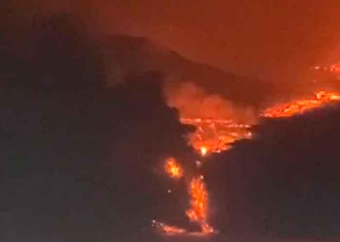 Impresionante: Lava del volcán Cumbre Vieja llega al mar