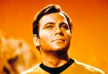 El actor William Shatner como el capitán James T. Kirk