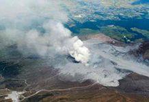 Tras erupción el volcán monte Aso en Japón mantiene alerta 3