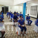 Curso de enjuncado de muebles para privados de libertad en Bluefields