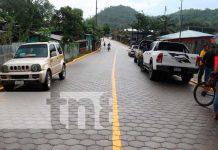 Inauguran calle adoquinada en Rosita