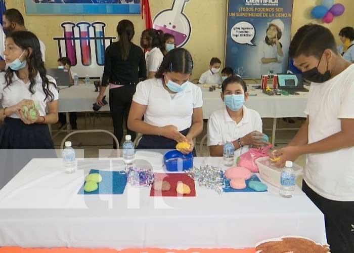 Realizan IV feria científica en colegio Rigoberto López Pérez