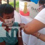Aplicación de vacuna contra el COVID-19 en Granada