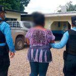 Abuela arrestada por abuso sexual de su nieta