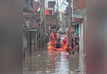 Inundaciones en India y Nepal dejan más de cien muertos y varios desaparecidos