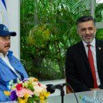 Presidente de Nicaragua, Daniel Ortega, en reunión con Sacha Llorenti, presidente ejecutivo del ALBA-TCP
