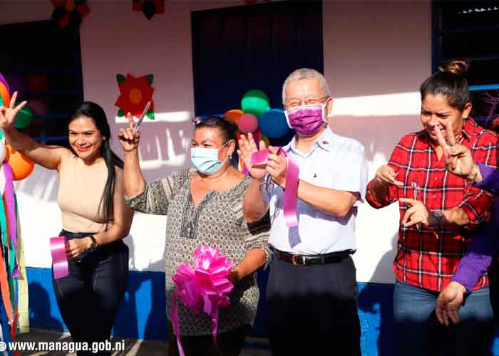 Enfermera del barrio Enrique Smith de Managua recibe su casa digna