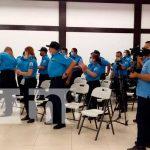 Policía con conocimientos ante desastres