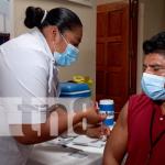 Minsa continúa con las vacunas con mayores de 30