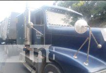 Llantas traseras de un camión toman fuego en la carretera a villa Sandino, Chontales