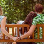 Todo queda en familia: Mujer comparte a su esposo con su mamá