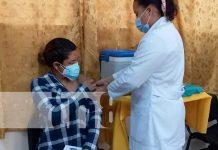 Vacunación a embarazadas en centros de salud en Nicaragua