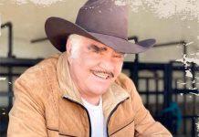 Vicente Fernández sale de terapia intensiva pero seguirá hospitalizado